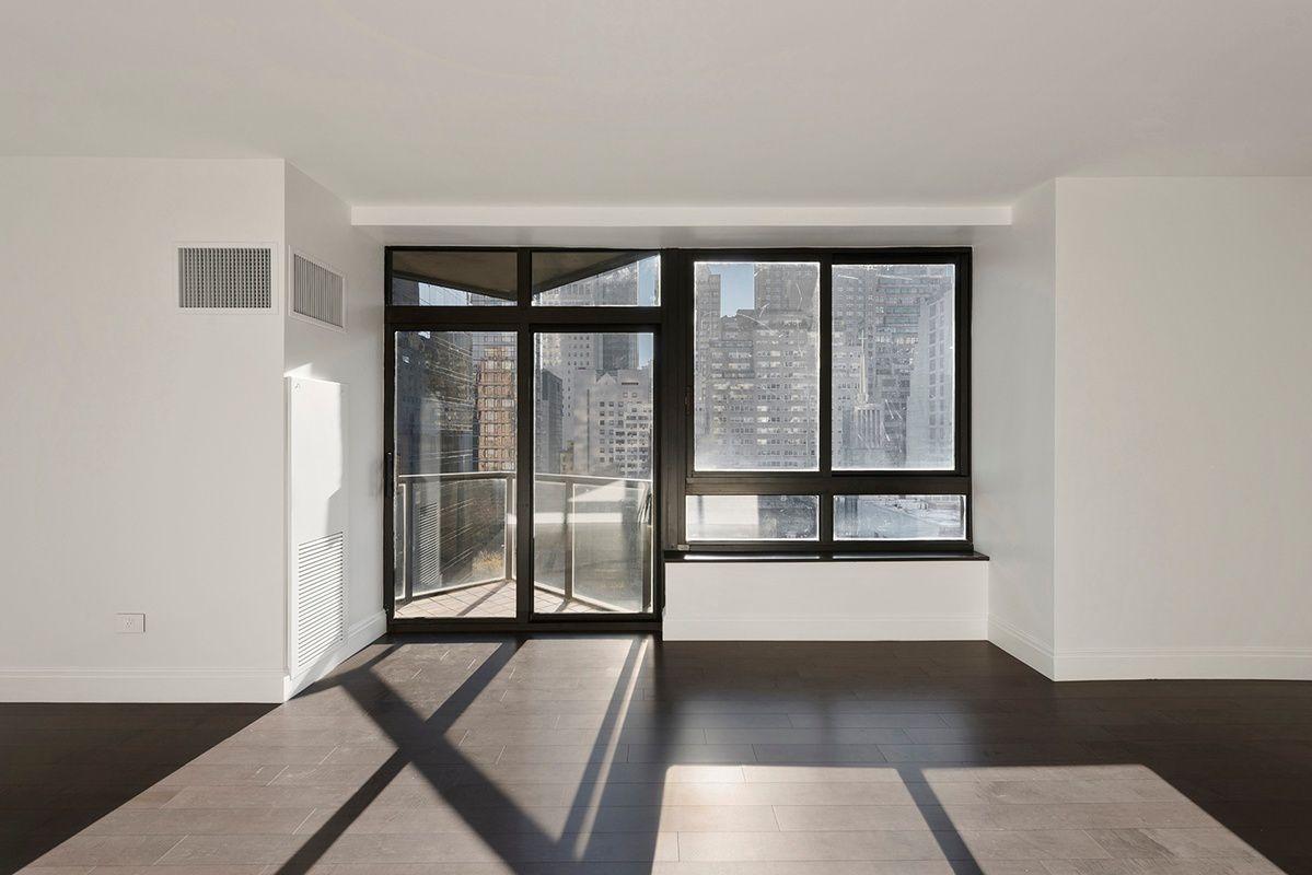 100 UN Plaza 2, New York, NY 10017